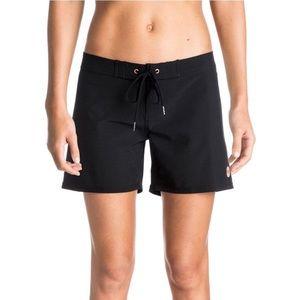 "J228 NWT Roxy | Classic 5"" Black Board Shorts S"